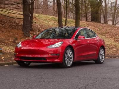 Владельцы электромобилей Tesla могут лишиться государственных льгот