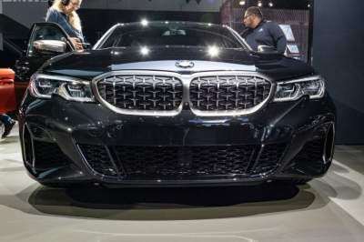 BMW представила мощную тройку