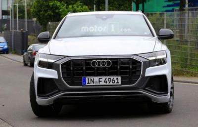 Дизельный Audi SQ8 попался фотошпионам в Европе