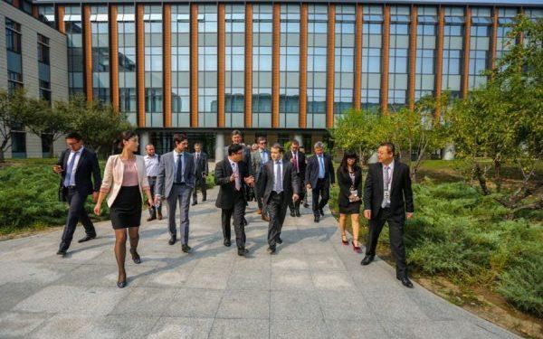 Huawei потратит два миллиарда долларов на усиление кибербезопаности
